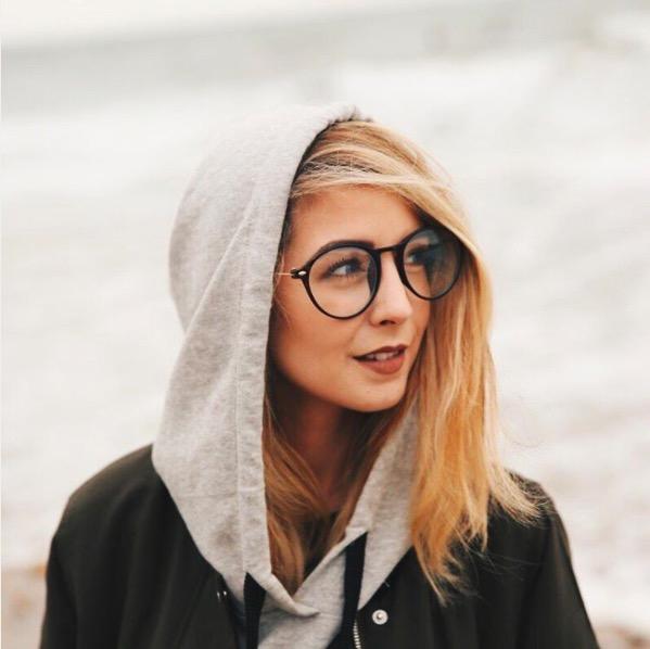 zoe-hoodie-and-glasses